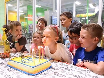 trampoline platinum birthday party details